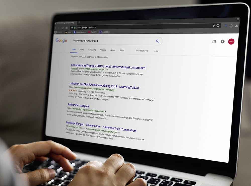 Google Suchanfrage Website Zwischenraum
